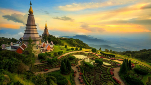 Hiện mới chỉ có đường bay Đồng Hới - Chiang Mai được khai thác thẳng, kết nối Việt Nam với thành phố du lịch nổi tiếng ở phía bắc của Thái Lan. Ảnh: Lonely Planet.