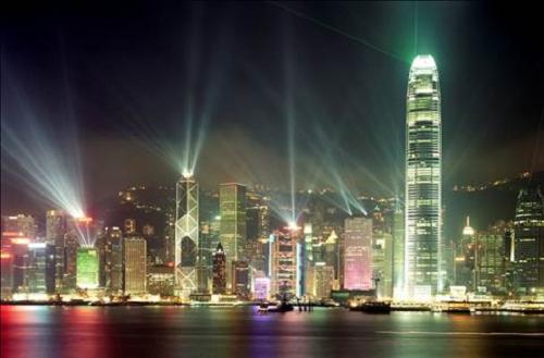 Hong Kong rực rỡ về đêm.