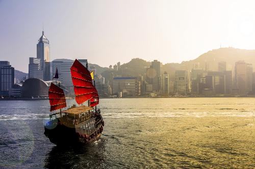 Cathay Pacific bán vé bay Hong Kong giá chưa tới 700.000 đồng - 2