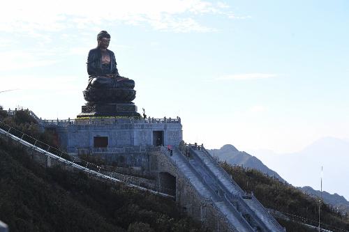 Mở cổng trời lên chốn tâm linh Fansipan - ảnh 3