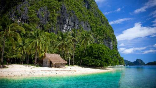 Vịnh Bacuit, El Nido - PhilippinesBờ biển vịnh Bacuit là một trong những bãi biển thuộc tổ hợp nghỉ dưỡng cao cấp thân thiện môi trường tại El Nido, Philippines. Nơi đây chú trọng phát triển du lịch bền vững và thân thiện với môi trường. Khu nghỉ dưỡng có nhữnghoạt động và dịch vụgần gũivới môi sinh, kiến trúc xanh và có hệ thống xử lý nước thải đặc biệt.Bờ biển được làm sạch thường xuyên, giám sát hàng hải, bảo vệ cuộc sống của các loài động vật hoang dã. Ảnh:Flickr.