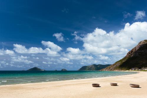 Tin vui này cũng đã được Vườn quốc gia Côn Đảo kịp thời ghi nhận và công bố trên website chủ quản.Trong ảnh là bãi biển riêng dài gần 2 km thuộc khu resort.