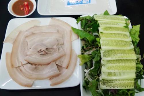 Ba món xứ Quảng làm say lòng người Sài Gòn