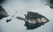 'Rùa đá' khổng lồ một năm nổi một lần trên sông ở Trung Quốc