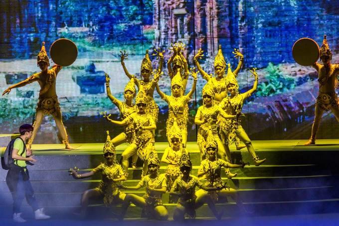 Các show giải trí đêm nổi tiếng cho khách du lịch