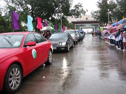 Thí điểm cho khách Trung Quốc lái ôtô vào Hạ Long