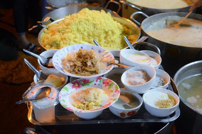 5 quán chè luôn đắt khách bất kể nắng mưa ở Sài Gòn