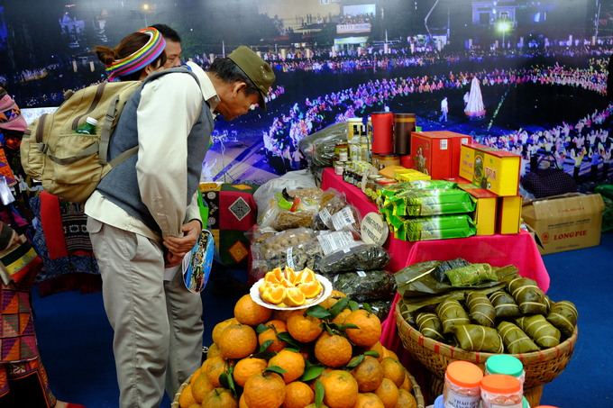 Hội chợ du lịch lớn nhất Việt Nam ngày đầu đón khách