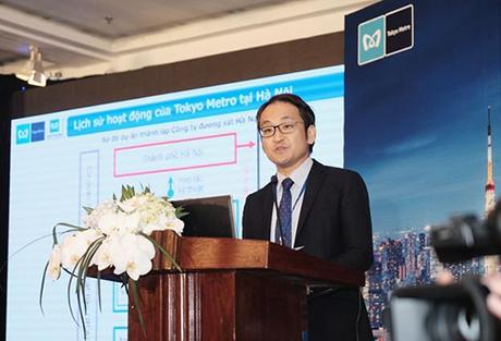 Ông Michiyoshi Hasegawa, Tổng giám đốc công ty Việt Nam Tokyo Metro phát biểu tại họp báo.