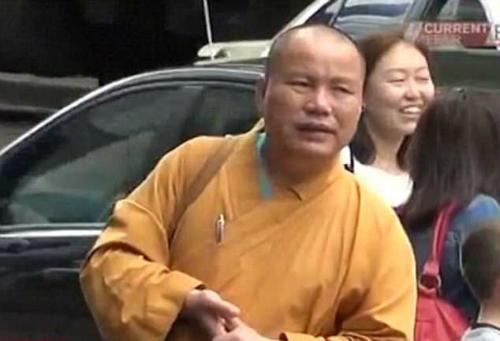 Nạn người Trung Quốc đóng giả sư tại Perth từng được đưa trên kênh truyền hình CBD vào năm 2014. Ảnh:CBD.