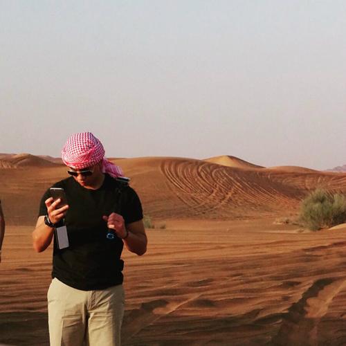 Hoàng tử Abdul Mateen trong một chuyến đi tới sa mạc tháng 5/2016.