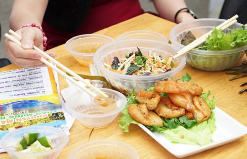 Nhiều món ăn truyền thống Việt Nam như phở, bún chả, nem