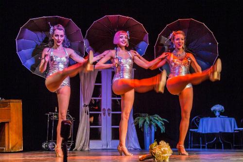Offbeat đã đánh giá đây là show diễn burlesque du khách nên tới xem đầu tiên khi đến thăm New Orleans. Ảnh: Fleurdetease.