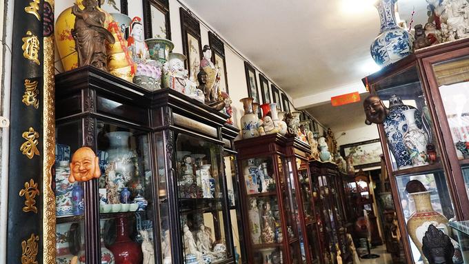 Con đường đồ cổ hơn nửa thế kỷ ở Sài Gòn