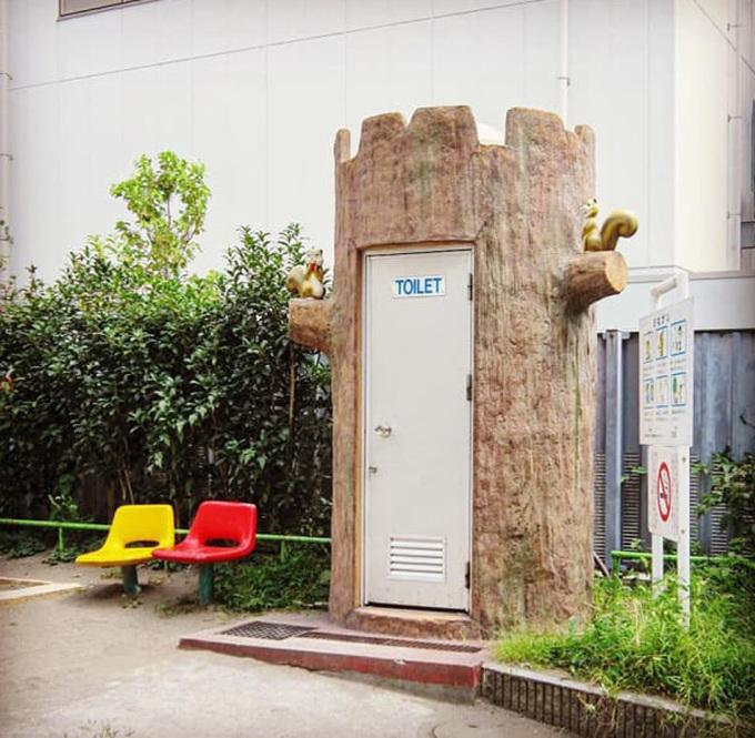 Nhiếp ảnh gia đi khắp Nhật Bản chỉ để chụp nhà vệ sinh
