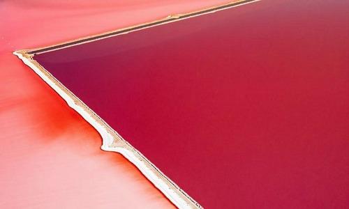 Hồ muối lúc nào cũng hồng rực ở Australia