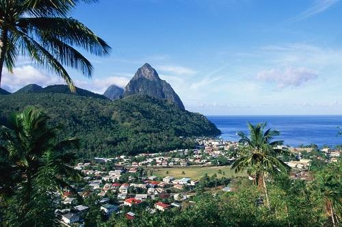 Đảo St Lucia là điểm đến yêu thích của nhiều khách châu Âu. Ảnh:Image Bank.