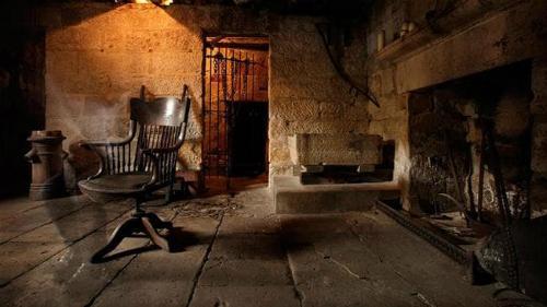 Dưới tầng hầm của quán rượu là nơi rất ít người dám ghé thăm do lo sợ về các tin đồn ma quái. Ảnh: The Rocks.