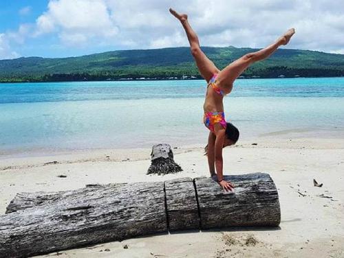 Cô gái bị mắng chửi vì đăng ảnh đẹp về các điểm du lịch