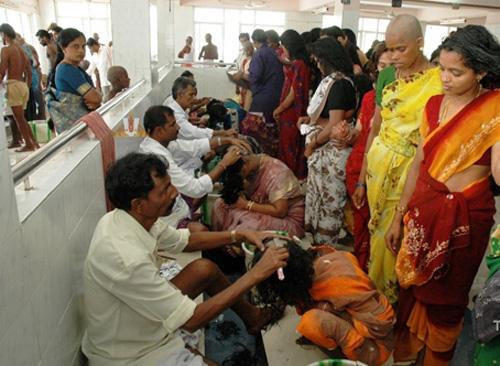 Khoản lời triệu đô từ việc bán tóc ở những ngôi đền Ấn Độ