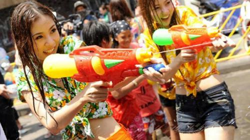 Nỗi sợ bị xâm hại của phụ nữ tại lễ hội Songkran Thái Lan