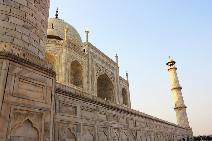 Vẻ đẹp của đền Taj Mahal trước khi cột đá cẩm thạch bị đổ sập