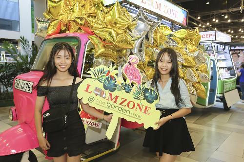 Quầy bán hàng trên xe lam độc đáo ở Sài Gòn - ảnh 4