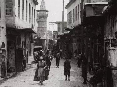 Bab Sharqui, hay còn gọi là Cánh cổng Mặt trờicổ đại, vẫn còn tồn tại cho đến ngày nay ở Syria. Ảnh: Buzzfeed.
