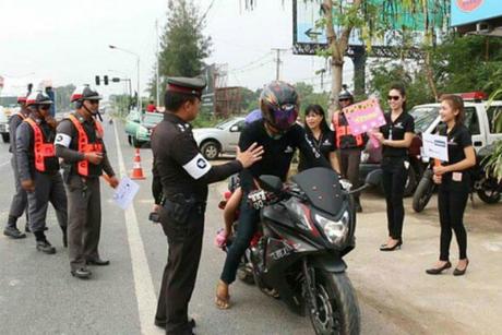 Tính riêng ngày 17/4, có 26 người thiệt mạng và 336 người bị thương khi tham gia vào lễ hội cầu may này. Ảnh: BangkokPost.