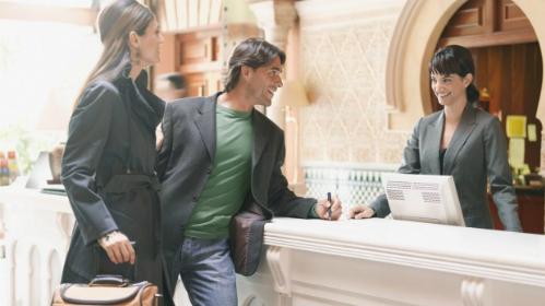 Một người nổi tiếng hoặc giàu có sẽ được chăm sóc và quan tâm nhiều hơn một khách bình thường tại các khách sạn 5 sao.Ảnh: Traveller.