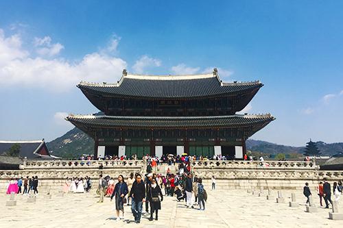 Á hậu Mâu Thuỷ sẽ thám hiểm đại dương ở Hàn Quốc