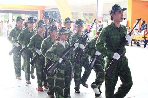 Dịp lễ 30/4,KizCitisẽ tổ chức chuỗi thử thách vận động Hành quân thần tốcđưa các bé hóa thân thành chiến sĩ giải phóng quân.