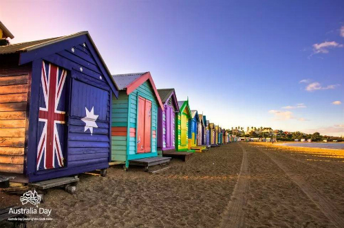 Bãi biển Brighton vớidãy nhà hộp sặc sỡ là điểm check-in lý tưởng hè này.