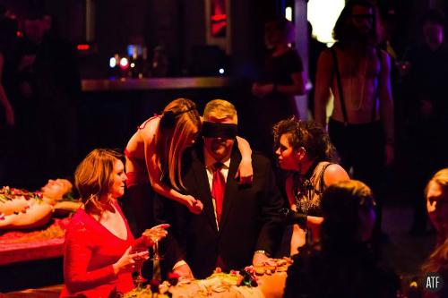 Không ít thực khách trung niên tìm đến bữa tiệc này. Ảnh:ATF.