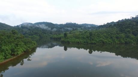 Madagui điểm du lịch hòa hợp với thiên nhiên hoang dã. Madagui viên ngọc thô của núi rừng Lâm Đồng, đang dần được khai sáng. Tọa lạc trên tuyến đường QL20, trục đường chính nối giữa Sài Gòn và Đà Lạt, Madagui là một điểm du lịch trải nghiệm và nghỉ dưỡng rất được ưa thích, tuy nhiên chỉ mới được biết đến trong khoảng thời gian gần đây.