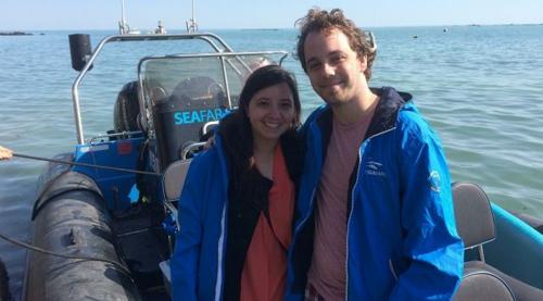 Nam sinh Mỹ và bạn gái có cơ hội tham quan toàn bộ hòn đảo Jersey sau khi tham gia nhầm nhóm Facebook. Ảnh: Fox News.