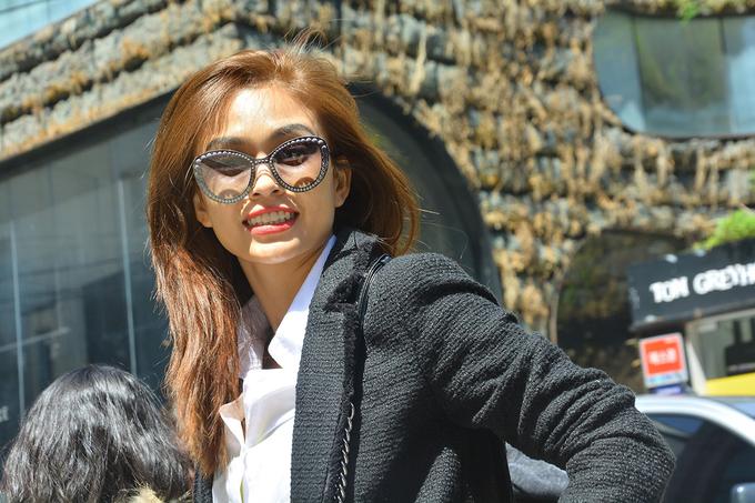 Mâu Thuỷ dạo chơi theo phong cách quý cô ở Seoul