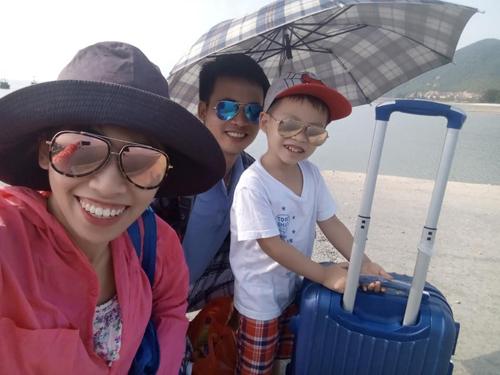 Cả nhà hào hứng với hành trình đi chơi đảo.
