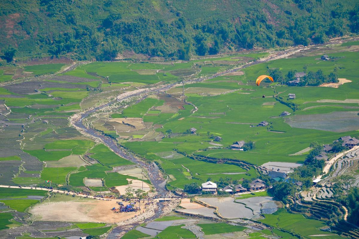 Ruộng bậc thang Mù Cang Chải mùa nước đổ