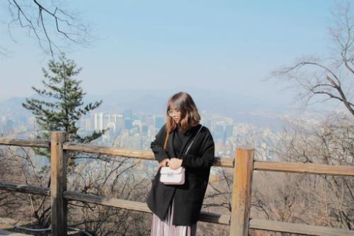 Linh đặt tên cho album ảnh du lịch năm ngoái của mình là Seoul: Checked. Ảnh: NVCC.