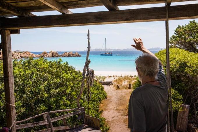3 thập niên cô độc trên hoang đảo của Robinson ngoài đời thực