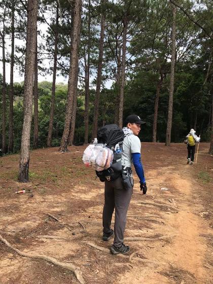 Nam du khách bị lạc trên cung đường Tà Năng - Phan Dũng. Ảnh: Trần Cao Thành.