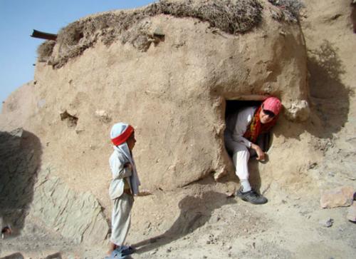 Một ngôi nhà của người tí hon làng Makhunik. Ảnh: pinterest.