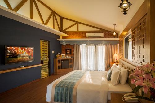 Khu nghỉ dưỡng có 100 phòng nghỉ với các bungalow, biệt thự đơn lập, được thiết kế ấm cúng, có diện tích từ 45 đến 200 m2, không gian tiện nghị, thoải mái. Đây là chốn nghỉ ngơi không thể bỏ qua sau một ngày dài khám phá vẻ đẹp hoang sơ của đảo ngọc Phú Quốc.