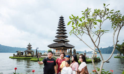 indonesia-doi-pho-nan-nguoi-trung-quoc-lam-du-lich-chui