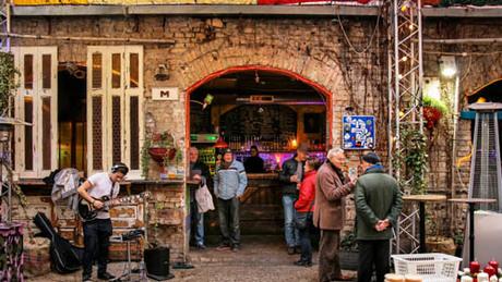 Đặc sản bar nát ở Hungary - 1