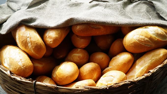 Xe bánh mì Sài Gòn 80 năm: chỉ bán hơn 3 tiếng mỗi ngày