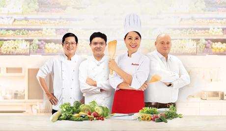 Ngoài giám khảo Diệu Thảo (giữa), cuộc thi còn có sự tham dự của các giám khảo là những chuyên gia nhiều năm kinh nghiệm trong lĩnh vực ẩm thực như thầy Nguyễn Thanh Vũ (Phó Trưởng Bếp Vietnam Airlines Caterers), đầu bếp Nguyễn Kiên Cường (Tổng bếp trưởng phòng sản xuất của Công ty Cổ phầnSuất ăn Hàng không Nội Bài), ông Franck Martin(chuyên viên ẩm thực trong lĩnh vực chế biến thức ăn của hệ thống bán lẻ Auchan).