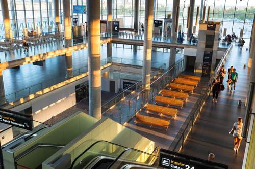 Ẩn tình phía sau cái chết của nam du khách ở sân bay Thổ Nhĩ Kỳ/Cái chết bí ẩn của nam du khách ở sân bay Thổ Nhĩ Kỳ