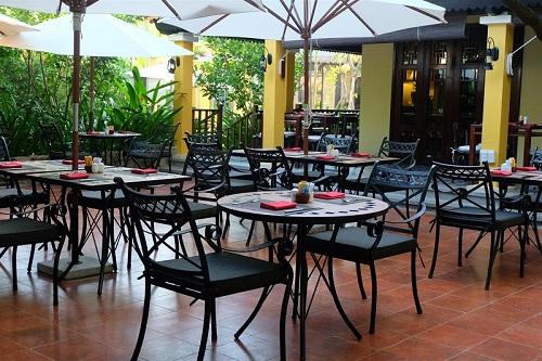 Từ đây, không gian ẩm thực và khung cảnh thiên nhiên được kết nối không giới hạn tạo ra những trải nghiệm thú vị cho du khách.